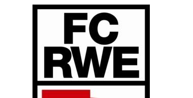 Christian Beck beschenkt RWE-Traditionsmannschaft